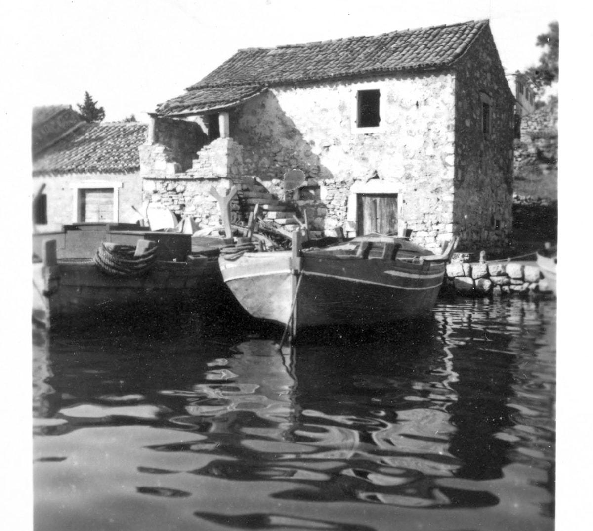14.Luka, stara seoska arhitektura, Petricioli 8.7.1951.